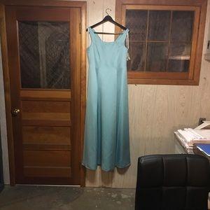 NWT Davids Bridal Floor length Teal Brides Maid